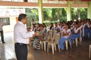 Yash Career Guru speaking on career guidance in Pune school